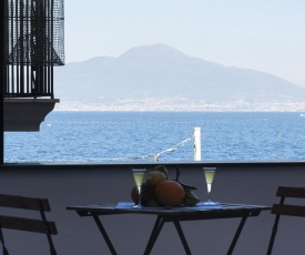 Appartamento Anna in Villa per 2/4 persone con piscina, parcheggio privato e WIFI