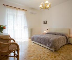 Torca Villa Sleeps 9 Pool Air Con WiFi