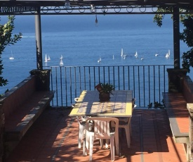 Homely Holiday Home in Torrecuso Italy with Pool