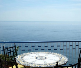 Romantic getaway in the center of Amalfi
