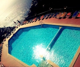 Oluna Resort